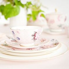 Harlequin Cuckoo Teacup & Saucer, Pink - NewlyWish