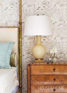 Fresh Floral Wallpaper | Designer: Theresa Casey | Photographer: Donna Griffith | #wallpaper #decorating #homedecor #interiordesign #bedroom