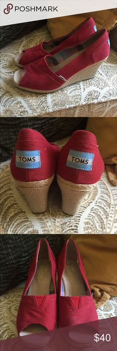 Toms wedge sandals These classic shoes have been worn 3-5 times I'd say. There is a tiny little dot on the toe area of the right foot. (Refer to the 3rd picture.) However it will not be noticeable once they are on. Other than that, they are very clean and in nice shape. TOMS Shoes