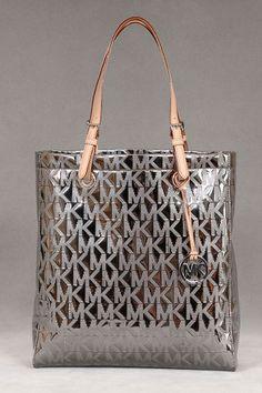 Michael Kors - Luxury Handbags - Beyond the Rack