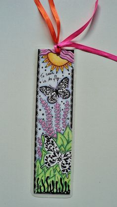 Artículos similares a Bookmark, zentangled, pen and colored pencil, OOAK original, gift en Etsy
