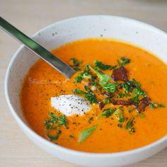 tomatsuppe med paprika og appelsin lavkarbo Low Carb Recipes, Vegan Recipes, Cooking Recipes, Vegan Food, Food Map, I Love Food, Clean Eating, Food Porn, Food And Drink