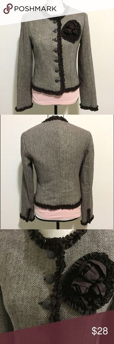 Victoria's Secret MODA International Wool Blazer This MODA International by Victoria's Secret wool blazer is in excellent condition! Features a gorgeous rose corsage on the front. Wool tweed pattern. Size 6. Victoria's Secret Jackets & Coats Blazers