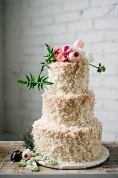 toasted coconut cream wedding cake | via: 100 layer cake