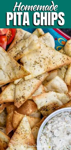 Pita Chips Recipe, Homemade Pita Chips, Baked Pita Chips, Pita Recipes, Greek Recipes, Appetizer Recipes, Snack Recipes, Cooking Recipes, Appetizers