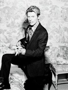 David Bowie Photo by Ellen von Unwerth David Bowie, Kiko Mizuhara, Ellen Von Unwerth, Tim Walker, Saul Leiter, Cindy Crawford, Tommy Hilfiger, Bowie Starman, The Thin White Duke