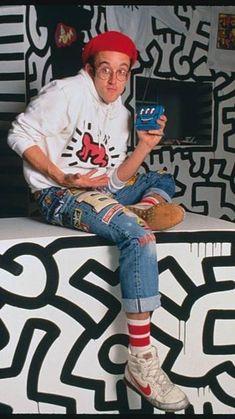 Keith Haring, Haring Art, Oil Pastel Colours, Oil Pastels, Lafayette Street, Devon Aoki, Architecture Tattoo, Bubblegum Pink, Wedding Humor
