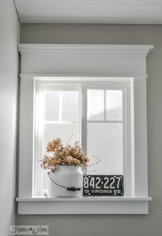 Funky junk interiors craftsman style window trim using flat lumber and not moulding via remodelaholic **i want these windows! Farmhouse Windows, Interior Windows, Windows, Home Remodeling, Home Decor, Funky Junk Interiors, Farmhouse Trim, Interior Window Trim, Funky Home Decor