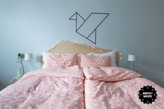 DIY - Headbord from a old tabletop Diy Headbord, Comforters, Ikea, Diy Projects, Diy Crafts, Blanket, Creative, Guider, Inspiration