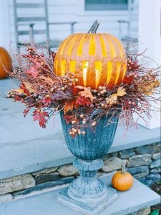 10 Creative Thanksgiving Decorating Ideas. Like the way they carved this jack o'lantern