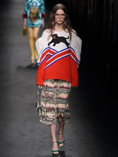 Panther-appliqué pleated-shoulder wool sweater | Gucci | MATCHESFASHION.COM US