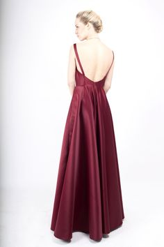 rochie din tafta cu spatele gol My Wardrobe, Lady, Cool Outfits, Designers, Take That, Glamour, Gowns, Clothes, Beautiful