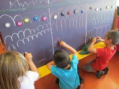 Apprendre à tracer des ponts Preschool Literacy, Kindergarten Art, Preschool Journals, Gross Motor Activities, Activities For Kids, Colegio Ideas, Pre Writing, Teaching Art, Fine Motor Skills