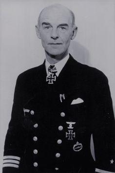 """Kapitän zur See d.R. Hellmuth von Ruckteschell (1890-1948), Kommandant Hilfskreuzer """"Michel"""" (HSK 9), Ritterkreuz 31.10.1940, Eichenlaub (158) 23.12.1942"""