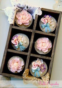 Vintage Cupcakes (Bella Cupcakes)