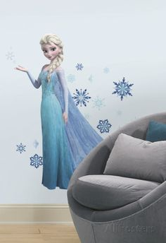 Make your room glow like the snow with Frozen Elsa Wall Decals! With pieces to form a large portrait of Elsa the Ice Queen plus snowflakes, Frozen Elsa Wall Decals add frosted fun to your walls. Frozen Disney, Elsa Frozen, Frozen Movie, Frozen Party, Frozen Stuff, Frozen Birthday, Frozen Theme, Birthday List, Diy Sticker