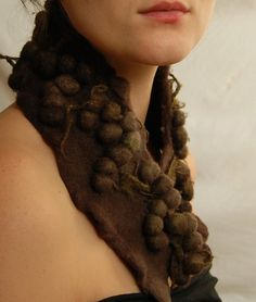 Felt scarf - Into the woods. Moss.
