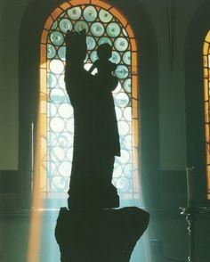 María es el Paraiso de Dios; un paraiso lleno de grandezas y misterios...