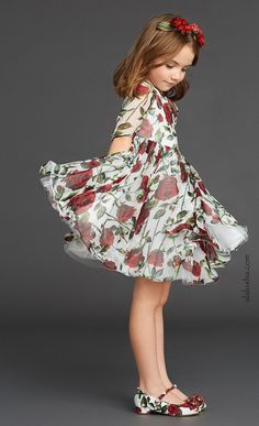 ALALOSHA: VOGUE ENFANTS: Discover Dolce&Gabbana's Fall 15-16 magnificent rose print, the perfect look to take you from summer to fall #KidsFashion