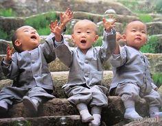 Monges bebês, crianças tibetanas
