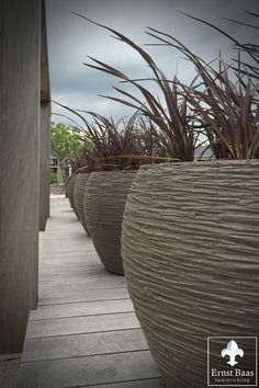 Atelier Vierkant  - Hand gemaakte potten - Ernst Baas Tuininrichting