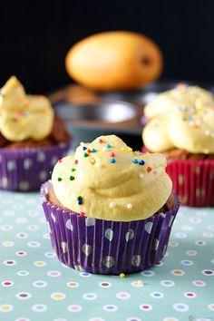 eggless mango cupcake