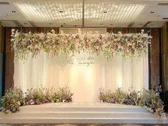 FLOWERS STAGE WEDDING #flowers #design #wedding2018 #thaiwedding DECORATION : #hugweddingplanner FLOWERS : #ommee_floral