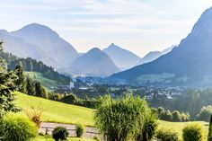 Here comes the sun 🌞 the Salzburger Saalachtal and his beautiful village UNKEN 💚 Visit Austria, Here Comes, He's Beautiful, Hiking, Relax, Sun, Mountains, Places, Travel