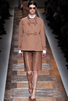 Valentino - Fall 2012 Ready-to-Wear