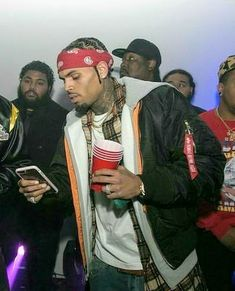 Chris Brown Outfits, Chris Brown Wallpaper, Chris Brown Pictures, Breezy Chris Brown, Hip Hop And R&b, Baby Daddy, To My Future Husband, Baddies, Indigo