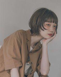 Japanese Short Hair, Hidden Hair Color, Medium Hair Styles, Long Hair Styles, Mullet Hairstyle, Shot Hair Styles, Girl Short Hair, Face Hair, Hair Photo