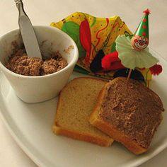 Crema spalmabile alle nocciole per insegnanti, pedagogisti e genitori Banana Bread, Desserts, Food, Chowder, Dessert Ideas, Food Food, Meal, Deserts, Essen