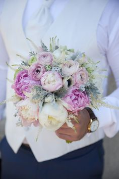 Bride Bouquets, Flower Bouquet Wedding, Astilbe, Ranunculus, Aesthetic Iphone Wallpaper, Perfect Wedding, Floral Wreath, Wreaths, Table Decorations