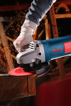 2400 W Powerful motor Fast, easy carbon brush change Anti-dust switch with locking button Model 3231 Power 2400 W Voltage 220 V Frequency 50 Hz No Load Speed 8000 rpm Weight kg Angle Grinder, Tools And Equipment, Power Tools, Hand Tools, Drill, Industrial, Graphic Design, Wallpaper, Phone
