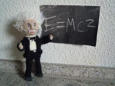 Wollfadengeschöpfe: Albert Einstein  (gestrickt)