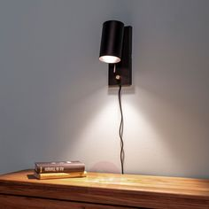 Dimmbar vegglampe Carrie med ledning og stikk | Lampegiganten.no