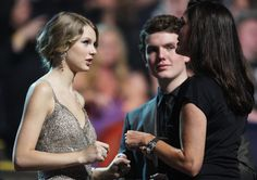 Taylor Swift Photos - 2009 CMT Music Awards - Show - Zimbio