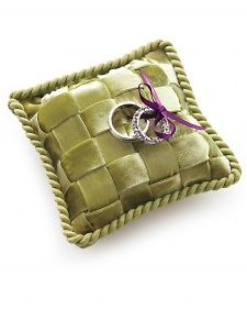 diy ring bearer pillow from martha stewart... i could actually make this!