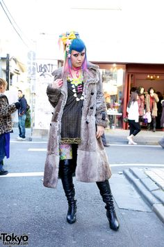 Vani, famous Harajuku icon, works at 6%DokiDoki | 8 February 2012 | #Fashion #Harajuku (原宿) #Shibuya (渋谷) #Tokyo (東京) #Japan (日本)