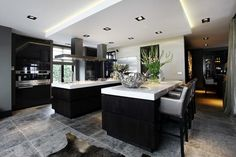 Kitchen Dinning, Home Decor Kitchen, Country Kitchen, Kitchen Ideas, Dining Room, New Home Designs, Modern House Plans, Modern Kitchen Design, Kitchen Styling
