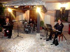 """Jazz, Bosanova, blues, y soul. Tach Trio """"El Placer de la música en vivo"""" http://www.aeioumusica.com/trios/tachtrio"""
