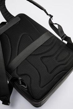 Computer Backpack, Electronic Devices, Black Backpack, Shoulder Straps, Sling Backpack, Laptops, Gym Bag, Zara, Handle
