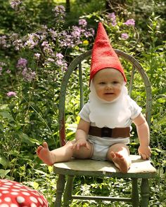 Gnome hat and beard toddler/child costume by littlebeanart on Etsy. If only Sawyer would wear hats