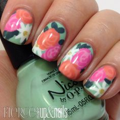 Floral Nail Art Designs Perfect For This Spring - 26 Ideas That You Will Like It | NailSchoolOnline.comNailSchoolOnline.com