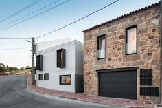 ポルトガルの若い建築家Filipe Pina+MariaInêsCosta は、前世代に建てられたポルトガルの伝統的な建…