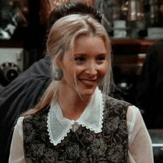 Lisa Kudrow – My Pin's Friends Tv Show, Phoebe Friends, Friends Mode, Serie Friends, Friends Cast, Friends Moments, I Love My Friends, Friends Girls, Chandler Bing