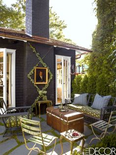 The painting & vines TOUR: An Abandoned Summer Camp Becomes An Eclectic Family Home
