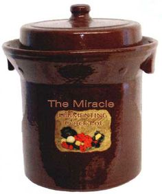 Do you enjoy pickling pickles and vegetables or fermenting sauerkraut? This Harsch Gairtopf Fermenting Crock Pot might be right for you. Sauerkraut Crock, Homemade Sauerkraut, Sauerkraut Recipes, Fermented Sauerkraut, Canning Recipes, Raw Food Recipes, Great Recipes, Favorite Recipes, Kimchi