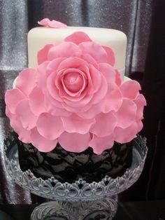 Pink Rose Wedding Cake #dental #poker www.cartelpoker.com