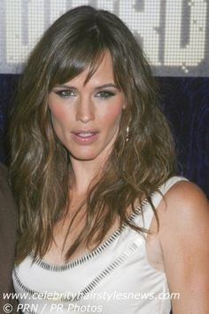 Jennifer Garner with long hair fashioned in layers and streaks